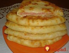 Cheese cake with kefir - a very tasty dish that is prepared at the same time is incredibly fast. Bulgarian Recipes, Russian Recipes, Turkish Recipes, Breakfast Items, Breakfast Recipes, Savory Pastry, Good Food, Yummy Food, Romanian Food
