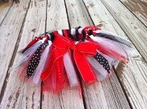 Girls game day scrappy tutu. UGA or any favorite team logo, colors, chevron, polka dots, and collegiate fabric. By EverythingSorella