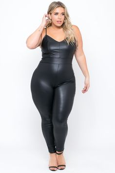 Stephanie Viada - Plus Size Faux Leather Catsuit - Black Curvy Girl Fashion, Plus Size Fashion, Molliges Model, Plus Size Model, Plus Size Lingerie, Swagg, Sexy Women, Black Women, Leather