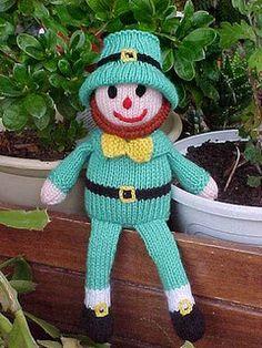 Free Rufus the Leprechaun knitting pattern pattern by Jean Woods Knitted Dolls, Crochet Dolls, Kids Crochet, Crochet Clothes, Crochet Ideas, Free Crochet, Crochet Patterns, Loom Knitting, Free Knitting