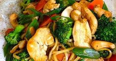 """9 Flat Belly Chicken Dishes """"Chicken Broccoli Cashew Stir-fry"""" (I will make mine gluten free of course :) ) Something I've personally found to help Plexus Slim is amazing if you need a little extra help with weight loss, cravings and getting healthy h Healthy Diet Recipes, Healthy Snacks, Healthy Eating, Cooking Recipes, Veg Recipes, Healthy Soup, Healthy Dinners, Indian Recipes, Flat Belly Foods"""