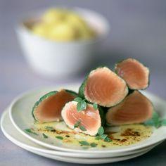 Découvrez la recette Thon rouge au basilic sur cuisineactuelle.fr.