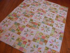 Lovely little Straw Flower quilt. So easy to mix and match colours or themes! Little girls quilt by flossyblossy, via Flickr
