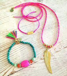 Zelf gemaakt/ambacht; kralen armbandjes met als inspiratie Beadies Amsterdam (zoals te zien op het beeld)