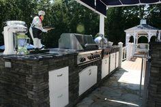 Outdoor Kitchen, yea yah! Bobby flay style