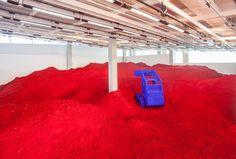 "Anish Kapoor explores ""urgent times"" with Destierro installation"