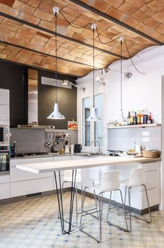 Charming Modern Kitchen with Catalan Brick Barrel Vault Ceiling Luxury Kitchen Design, Kitchen Ceiling, Home Decor Kitchen, Home, Modern Kitchen, Barrel Vault Ceiling, Ceiling Fan In Kitchen, Interior Design Bedroom, Vaulted Ceiling Kitchen
