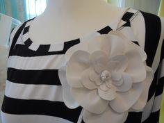 DETAILVERLIEBT! Blume auf Streifen - hübscher Blumengürtel und gestreiftes Longshirt www.mmel.at