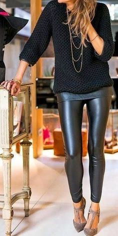 Leather Look Legging, any long beautiful blouse and Ponte Moto Jacket. Great fall look Mode Outfits, Casual Outfits, Fashion Outfits, Womens Fashion, Fashion 2017, Street Fashion, Look Fashion, Winter Fashion, Look Legging