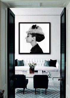 Interior Design by David Kleinberg. salon home office idea - Home and Garden Design Ideas . Spotlight On The Cross Interior Design Home Interior, Interior And Exterior, Interior Modern, Monochrome Interior, Interior Office, Bathroom Interior, Room Inspiration, Interior Inspiration, Interior Ideas