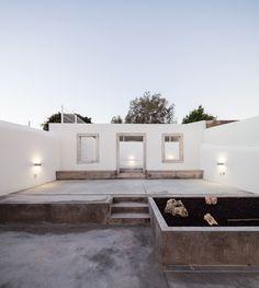 Projeto de requalificação transforma ruínas em uma casa
