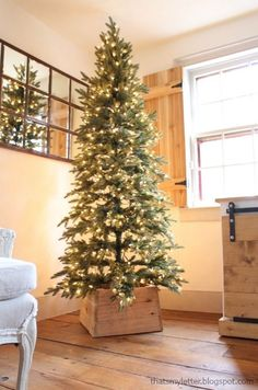 Build a Wood Christmas Tree Base using simple tools and supplies. Add a rustic touch to your holiday decor with this easy, DIY project.