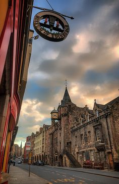 The Canongate Tolbooth & Museum of Edinburgh on The Royal Mile ~ Edinburgh, Scotland
