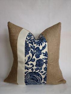 Tela interior y exterior Floral azul y crema y por BouteilleChic