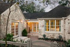 Design Details: Stone - Design, Building Materials - Builder Magazine - Love the stone look. Porte Cochere, Cool House Designs, Historic Homes, My Dream Home, Architecture Details, Interior And Exterior, Interior Design, Beautiful Homes, Beautiful Interiors