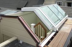 Photos of Rollamatic's Retractable Roofs, Sorted by Type of Install Skylight Glass, Glass Roof, Aluminum Can Crafts, Roof Ceiling, Rooftop Design, Glass Building, Glass Extension, Roof Lantern, Mediterranean Style Homes