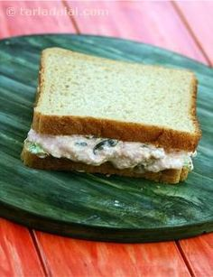 Paneer and dill sandwich is an interesting combination of cottage cheese and suvabhaji perked up with olives, curds and tomato ketchup. Ideally, you should use brown bread for this sandwich—you could opt for whole-wheat bread for a healthy twist.
