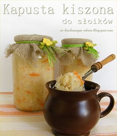kapusta kiszona do słoików Moscow Mule Mugs, Preserves, Pesto, Grilling, Food And Drink, Cooking Recipes, Homemade, Canning, Tableware