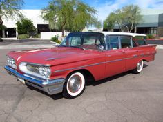 1959 Pontiac Bonneville Safari/ took our first family long trip vacation in this  modelyear.  8 of us in that thing. Well it was a 9 passenger ya know!  tons of room for Gram
