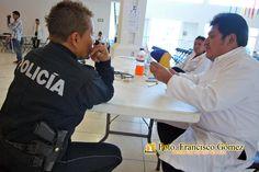 Nezahualcóyotl, Méx. 03 Abril 2013.  Existe una alta probabilidad de que los 926 policías evaluados en Nuestro municipio pasen las pruebas, pues no es la primera vez que los examinan y han resultado aptos para portar armas.                                                                                                                                                                              Foto. Francisco Gómez