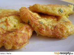 Celerové lívance Vegetable Side Dishes, Vegetable Recipes, Vegetarian Recipes, Cooking Recipes, Healthy Recipes, Czech Recipes, Ethnic Recipes, Salty Foods, Fast Dinners