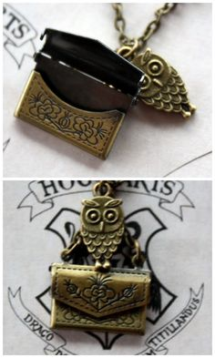 "Etsy ""Harry Potter Owl Post Necklace features a bronze owl charm 'carrying' an envelope, but the best part is that the envelope really opens!"" - Now this is cool, even if you don't read harry potter. Harry Potter Accesorios, Harry Potter Owl, Owl Charms, Mischief Managed, Mode Inspiration, Geek Stuff, Charmed, Necklace Charm, Owl Necklace"
