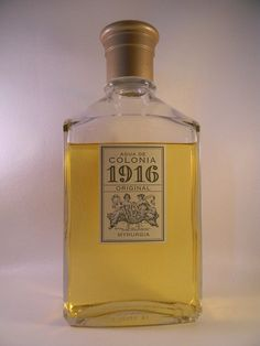 Its rugged and citrus aroma, addressed to women but, after his success with the male audience, created a concept of family #cologne   It is true to its classic and sober spirit.   Work of Russian perfumer Meisonier for the Myrurgia house, creator of legendary colognes.   In 1921 he won the Gold Medal at the International Exhibition of Decorative Arts and in 1925 the recognition of the Universal Exhibition in Paris.  #spanish