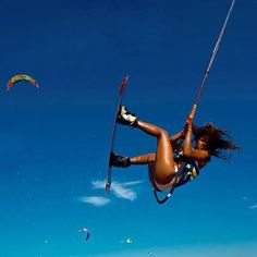 @estefaniarosacumbuco Flying high! @robsonmelofotografia