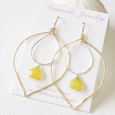 Yellow chalcedony hoop earring (E205)