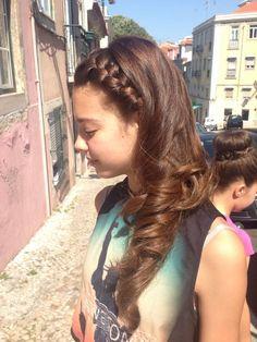 Penteado lateral.