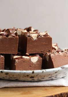 Malted Milk Fudge is the creamiest chocolate fudge, made with a little malted milk powder and topped with Malted Milk Balls! This is the best fudge recipe! Best Fudge Recipe, Fudge Recipes, Best Dessert Recipes, Sweets Recipes, Candy Recipes, Homemade Desserts, No Bake Desserts, Easy Desserts, Homemade Gifts