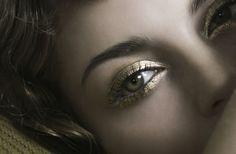 Bridal Beauty Looks to Blow Your Mind wedding makeup ideas gold lids Beautiful Eye Makeup, Love Makeup, Simple Makeup, Natural Makeup, Beauty Makeup, Makeup Looks, Hair Makeup, Hair Beauty, Beauty Bar