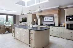 Decor Kitchens & Interiors is Irelands Uber stylish media brand for todays kitchens & interiors. Rustic Kitchen, Kitchen Decor, Kitchen Design, Kitchen Ideas, Kitchen Paint, Living Room Kitchen, Living Room Extension Ideas, Neptune Kitchen, Kitchen Diner Extension
