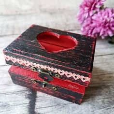 Cutiuta de vanzare ❤️ Little box for sale #handmade #handia #handiamade #decoupage #forsale #littlebox #homedecor #cutiuta #ideecadou #storageideas #heartbox #decoupage #decoupagebox #boxdecoupage #gifts #organizer Decoupage Box, Boxes For Sale, Little Boxes, Organizer, Geo, Decorative Boxes, Organization, Nice, Handmade
