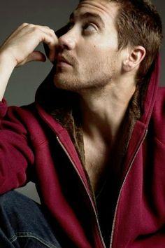 Jacob Benjamin Gyllenhaal (Los Angeles,19 de dezembro de 1980) ator.