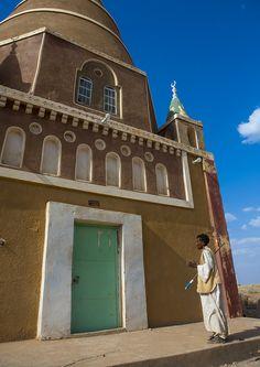 "https://flic.kr/p/ebN2K7 | Man Praying In Front Of A Sufi Shrine, Abu Haraz, Sudan | © Eric Lafforgue <a href=""http://www.ericlafforgue.com"" rel=""nofollow"">www.ericlafforgue.com</a>"