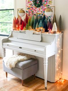 The essentials for a Zen room - Home Fashion Trend Bohemian Christmas, Pink Christmas, Christmas Home, Christmas Holidays, Vintage Christmas, Christmas Bedroom, Christmas Interiors, Whimsical Christmas, Outdoor Christmas