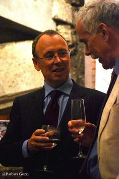 L'ambasciatore irlandese in Italia, Mr. Patrick Hennessy, con Anthony Glavin, 5 Maggio 2012.  Fotografia di Barbara Gozzi.