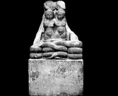 The sculpture of Alexander Helios and Cleopatra Selene, the offspring of Mark Antony and Cleopatra VII, at the Egyptian Museum in Cairo..  Read more ~ http://news.discovery.com/history/cleopatras-twin-babies-120420.html
