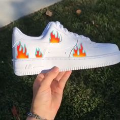 Crepped, independent artists who focus on sneaker customizing, here you will find a large selection of unique artists with brands like nike, vans adidas and more! Custom Painted Shoes, Custom Shoes, Customised Shoes, Nike Shoes Air Force, White Nike Shoes, Aesthetic Shoes, Hype Shoes, Dream Shoes, Sneakers Fashion