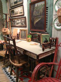 Best 25 lodge style ideas on pinterest cabin interiors - Adirondack style bedroom furniture ...