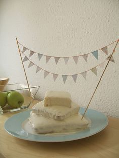 images about Free Mini cake bunting printable