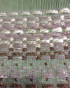 """weaving """"monk's belt"""" at the weaving school in Ghent. #weavingholland #weavingghent #handweaversofinstagram #handweaving #monksbelt"""