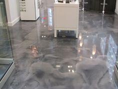 Exquisite stained concrete floor.( NOVO BÉTON )  Art Béton / concrete Art