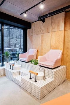 Designers makeover of montreal beauty refuge is as on trend and stylish as any of the looks coming out of this mable salon trendy pedicure spa ideas nail salons manicures Decor, Beauty Room, Beauty Salon Design, Salon Interior Design, Pedicure Station, Salon Decor, Nail Salon Interior Design, Interior Design Pictures