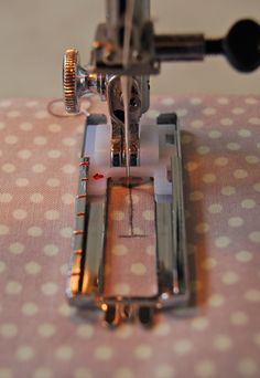 How to sew a button hole using a sewing machine