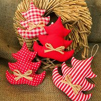 Diy Christmas Ornaments, Christmas And New Year, Projects To Try, Holiday Decor, Crochet, Fabric, Crafts, Home Decor, Scrappy Quilts