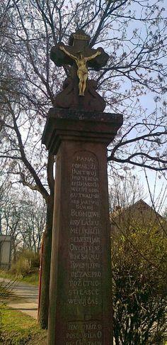 Kříž s Ježíšem - Chotouň u Českého Brodu - Česko