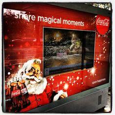 Share magical moments | digital tv screen on ad at bus stop // #italianiasingapore #italiansinsingapore #italy #italia #singapore #holiday #vacanze #trip #viaggio #expat #expatriate #espatriati #city #business #asia #southeastasia #SEA #busstop #magic #moments