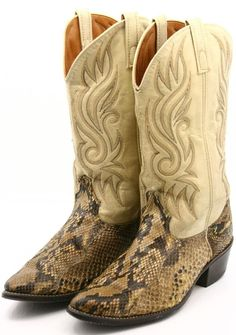 Acme Mens Cowboy Boots Size D Ivory Snakeskin Leather Western Exotic Boot Custom Cowboy Boots, Western Boots For Men, Custom Boots, Cowgirl Boots, Men's Boots, Western Style, Mens Fashion Casual Shoes, Country Boots, Cool Boots